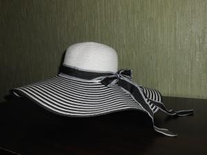 Новая летняя шляпка ( Тайланд ).