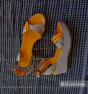 Яркие сандалии на танкетке LILI MILL,40,Италия