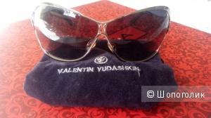 Солнцезащитные очки Валентин Юдашкин