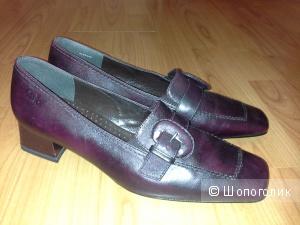 Удобные, красивые туфли,  размер 39