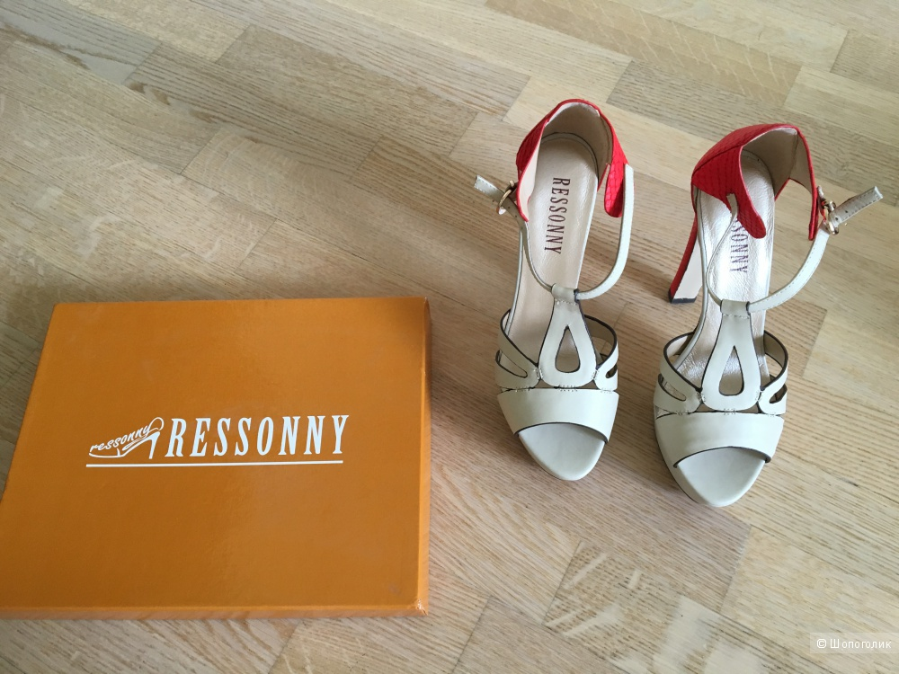 Кожаные босоножки на каблуке Ressonny, размер 38