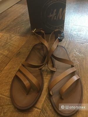 Новые,кожаные сандалии 37р.