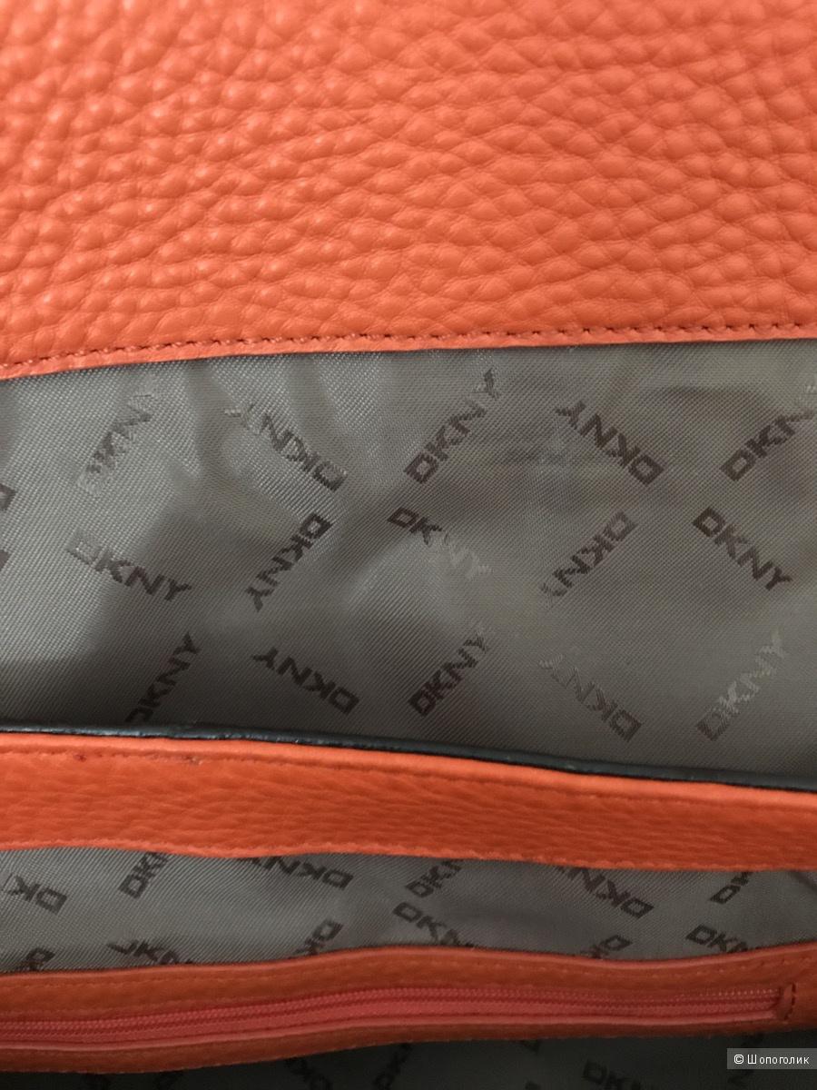 Сумка DKNY, новая, оригинал, натур.кожа, размер:34*12*23 см