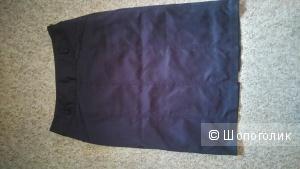 Атласная темно синяя юбка карандаш. Размер 42-44