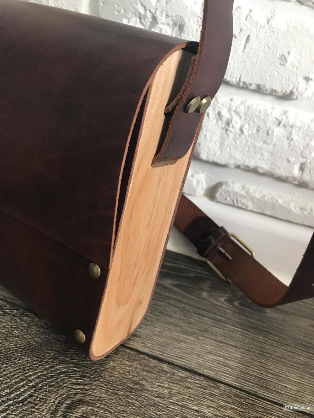 Кожаная сумка с натуральным деревом