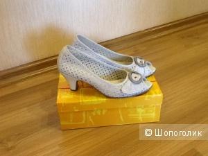 Летние туфли Tamaris 39 размер