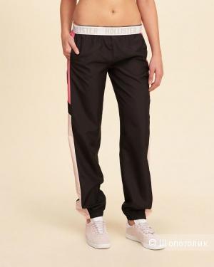 Легкие летние спортивные брюки Hollister