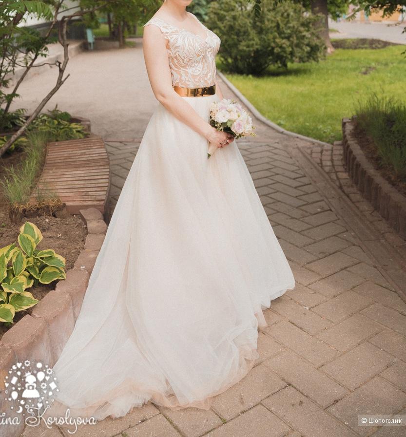Продаю шикарное свадебное платье в идеальном состоянии.