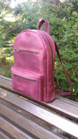 Кожаный рюкзак потрясающего цвета