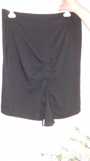 Красивая юбка итальянской фирмы «CRISTINAEFFE», ит. размер 48, на наш 50.