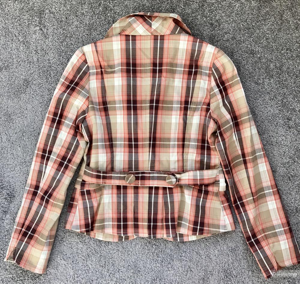 Клетчатый приталенный пиджак на российский 40 размер