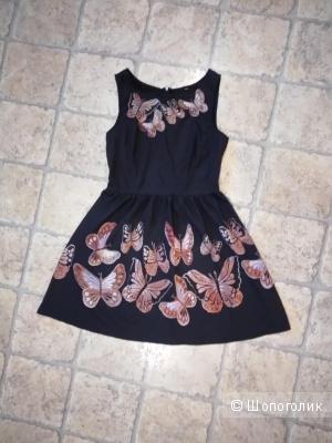 Лёгкое летнее платье, чёрного цвета с бабочками, размера М.