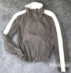 Новая легкая куртка-бомбер на российский 40-42 размер