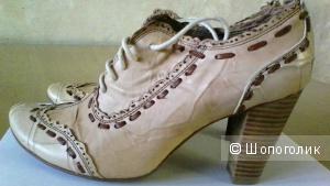 Ботинки  летние женские кожа р. 37-37.5  на каблуке новые