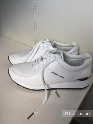 Кожаные кроссовки Michael Kors, US7.5; 38 размер
