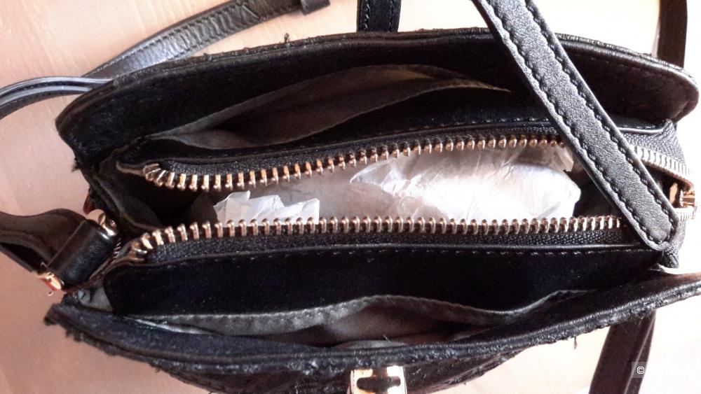 Кожаная сумка Curanni черного цвета с вышивкой