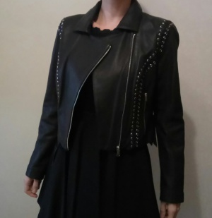 Новая кожаная куртка Bebe, размер М.