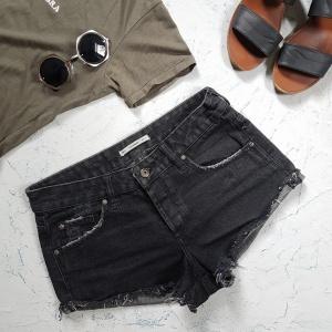 Джинсовые шорты черные Pull and Bear, размер 34