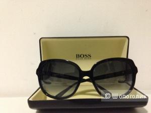"""Солнцезащитные очки """" HUGO BOSS """", Италия."""