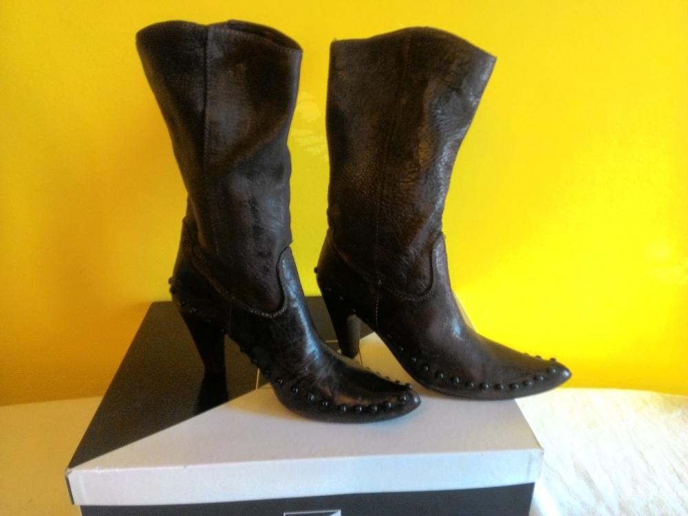 Кожаные темно-коричневые сапожки а-ля казаки фирмы Alba, 40 размер.