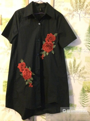 Платье рубашка с цветами  М