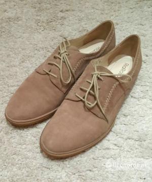 Новые замшевые туфли, размер 39
