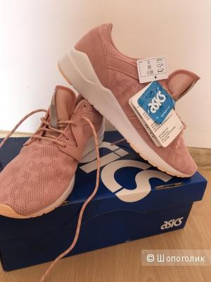 Пристрою абсолютно новые чудесные кеды кроссовки фирмы Asics ,размер 39,5