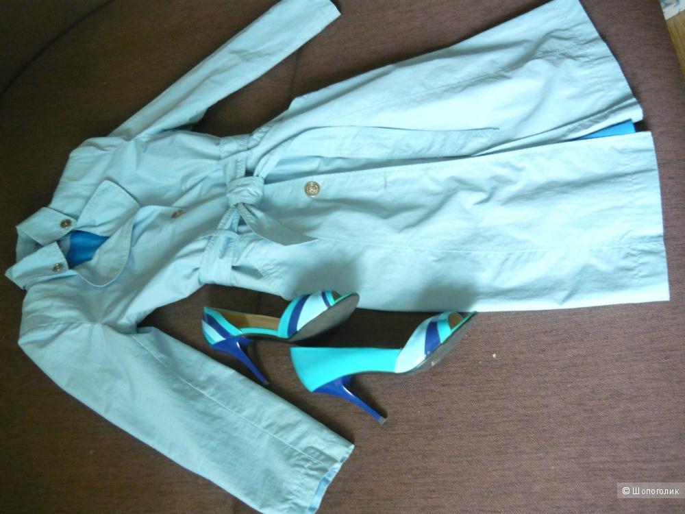 Летний плащ нежно-голубого цвета, размер 46