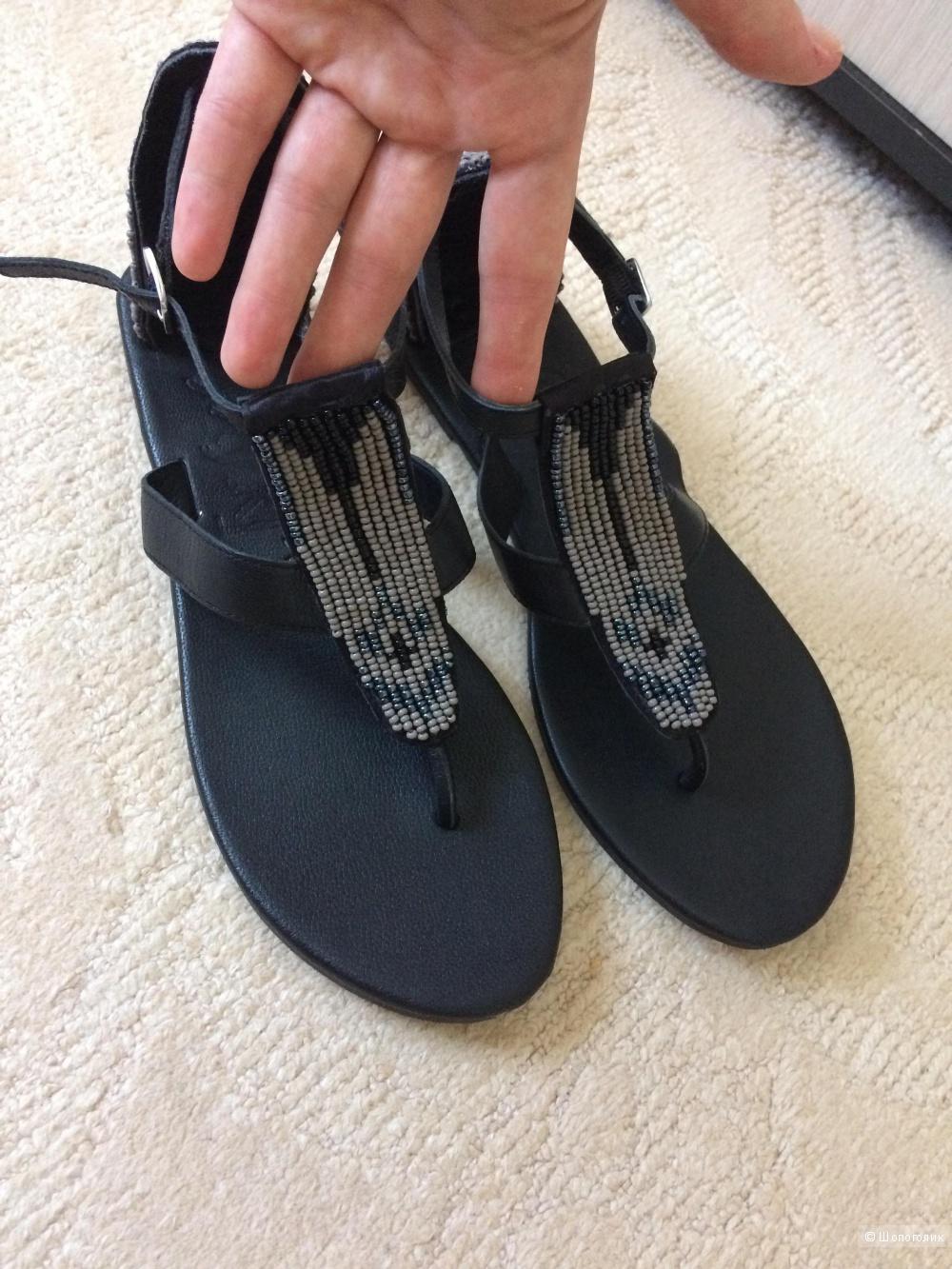 Кожаные XYXYX черные босоножки с бисером 40 разм