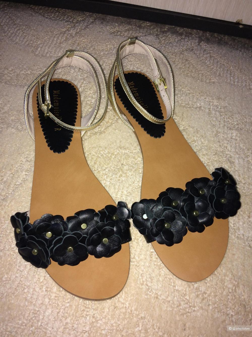 Босоножки черные кожаные 40-41 размер