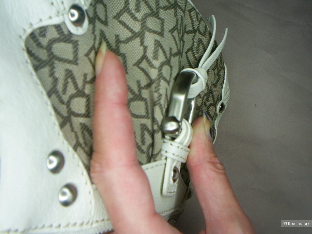 Сумка DKNY .
