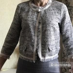 Пиджак в стиле Шанель, серебристый, 42 рос раз