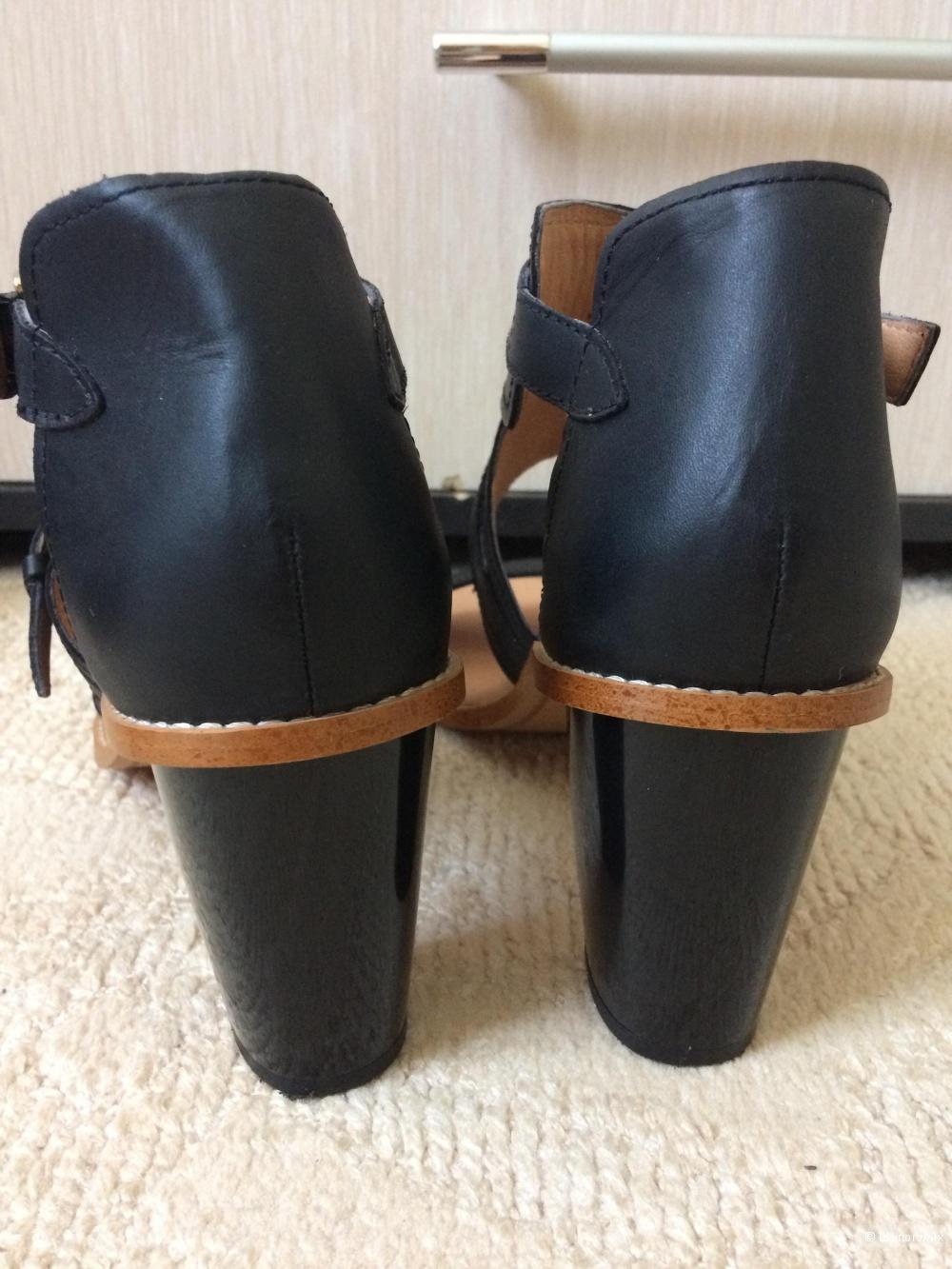 Босоножки H&M черные 40разм