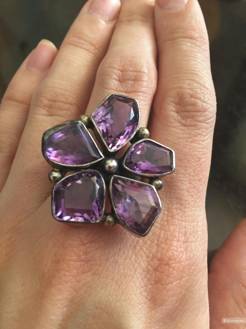 Крупное серебряное кольцо с аметистами 17,5 размер