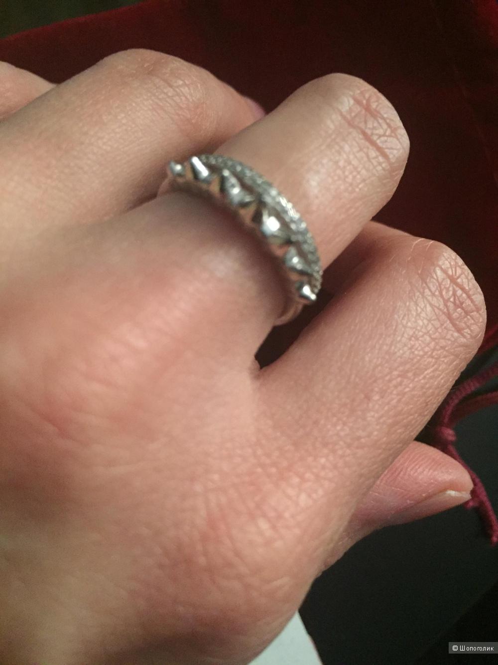Серебряное кольцо с фианитами 16,5 размер