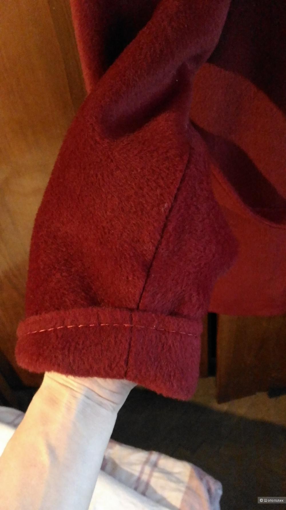 Пальто фирма Socrat,  размер 44 рус.