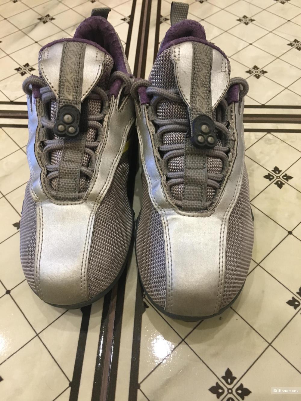 Кроссовки женские dKNY, 37 размер