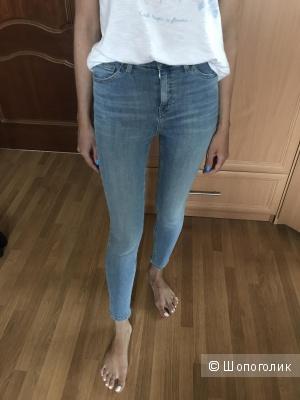 Джинсы Topshop, модель Jamie, размер 24, цвет bleach