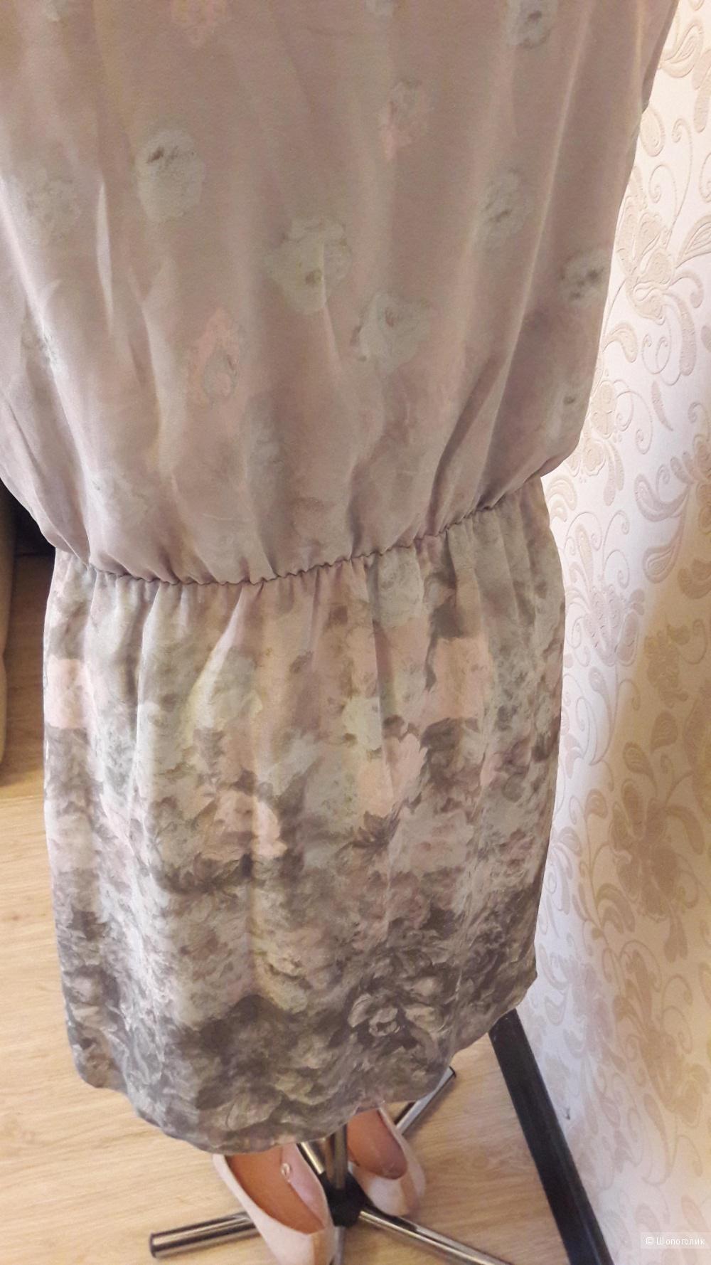 Gino Benitti, нюдовое платье, М