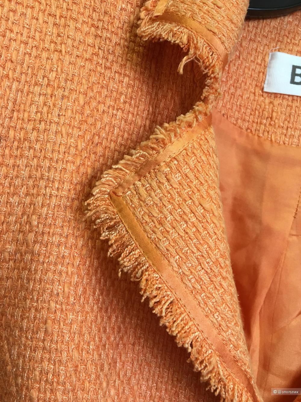 Оранжевый комплект пиджак блузка на 46 размер
