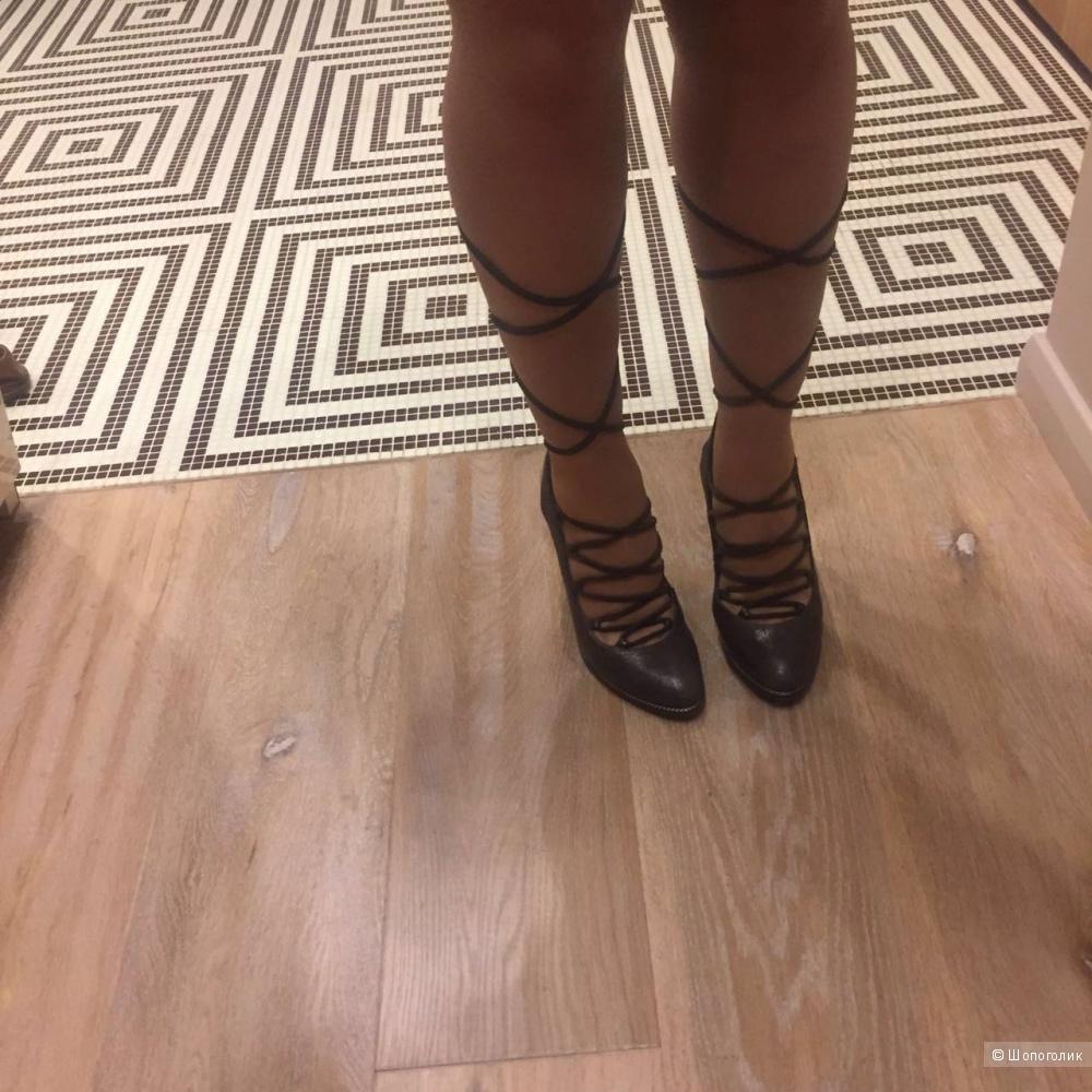 Новые туфли Pollini 40 размера