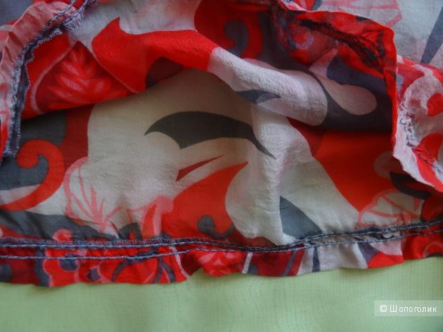 """Блузка шёлковая """"Sisley"""" с открытыми плечами, размер 42-44, б/у"""