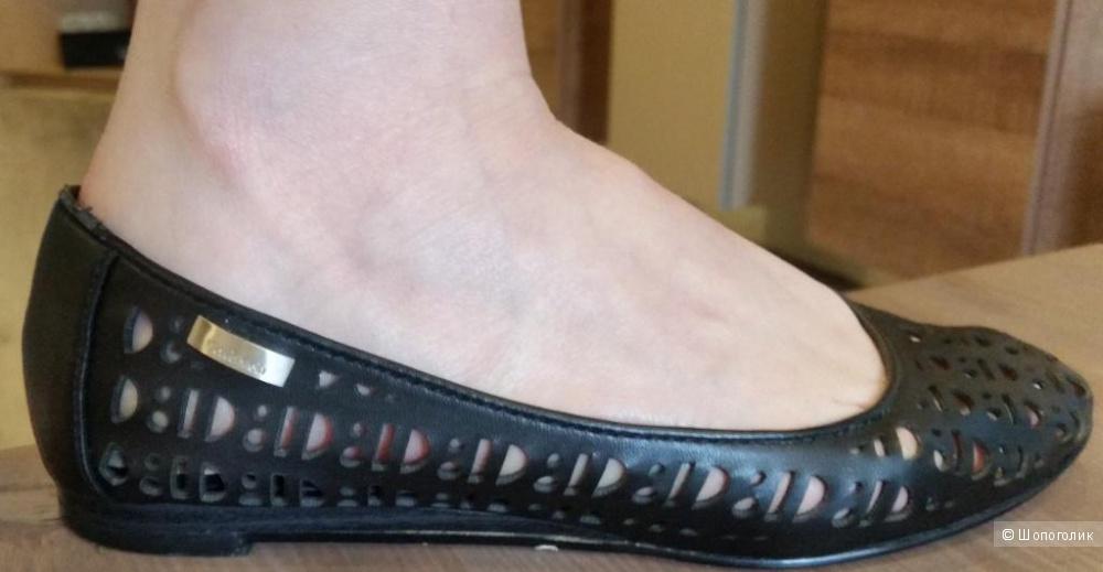Балетки кожаные Calvin  Klein 5.5 US - 36   русс