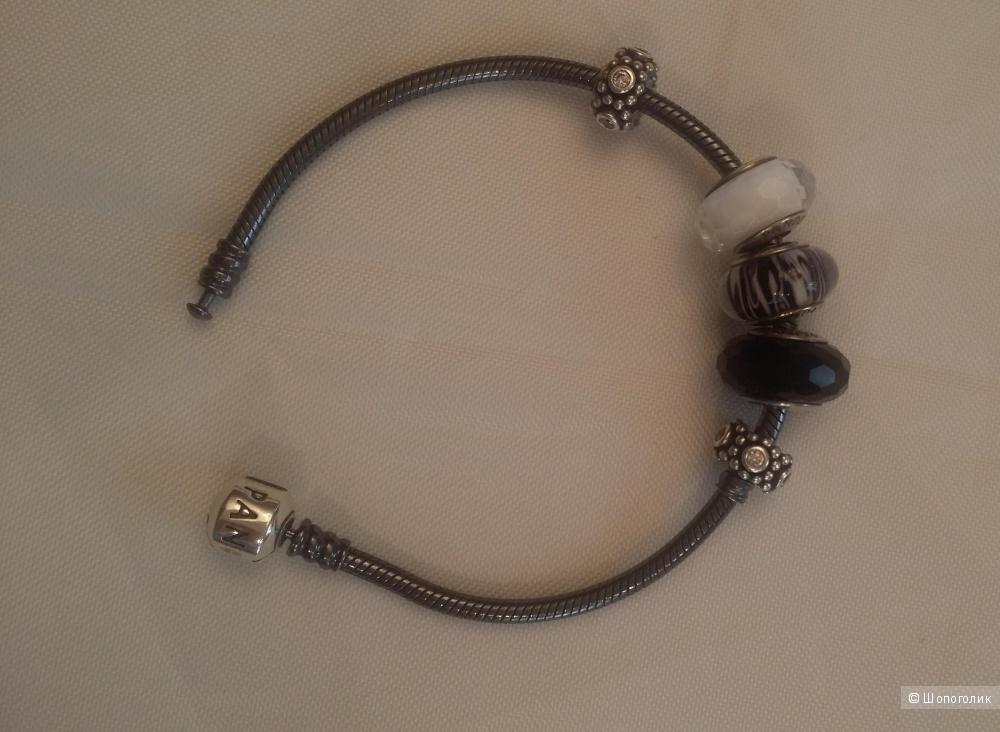 Браслет Pandora c шармами  и разделителями 19 см.