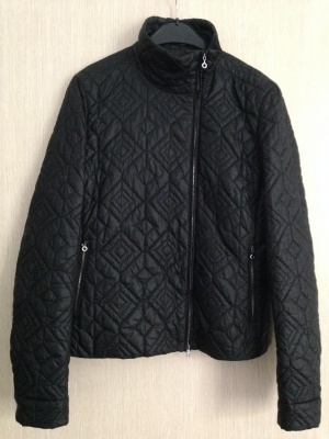 "Курточка "" HUGO BOSS "", 44-46 размер, Италия."