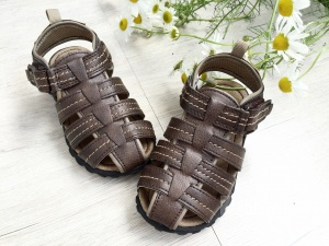 Абсолютно новые сандали Carter's