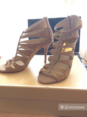 Новые туфли MICHAEL Michael Kors (размер 7)