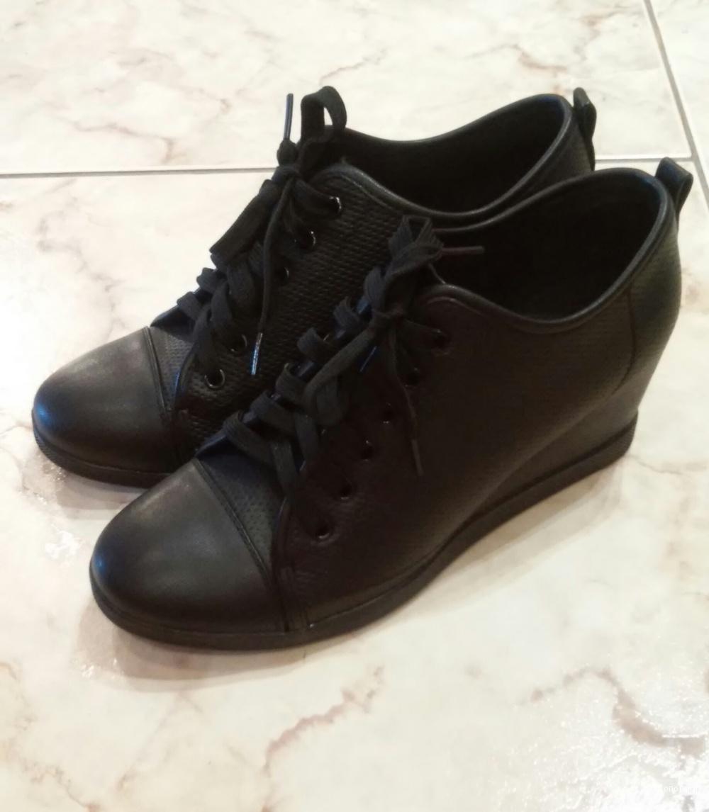 Новые ботинки T.Taccardi, размер 38