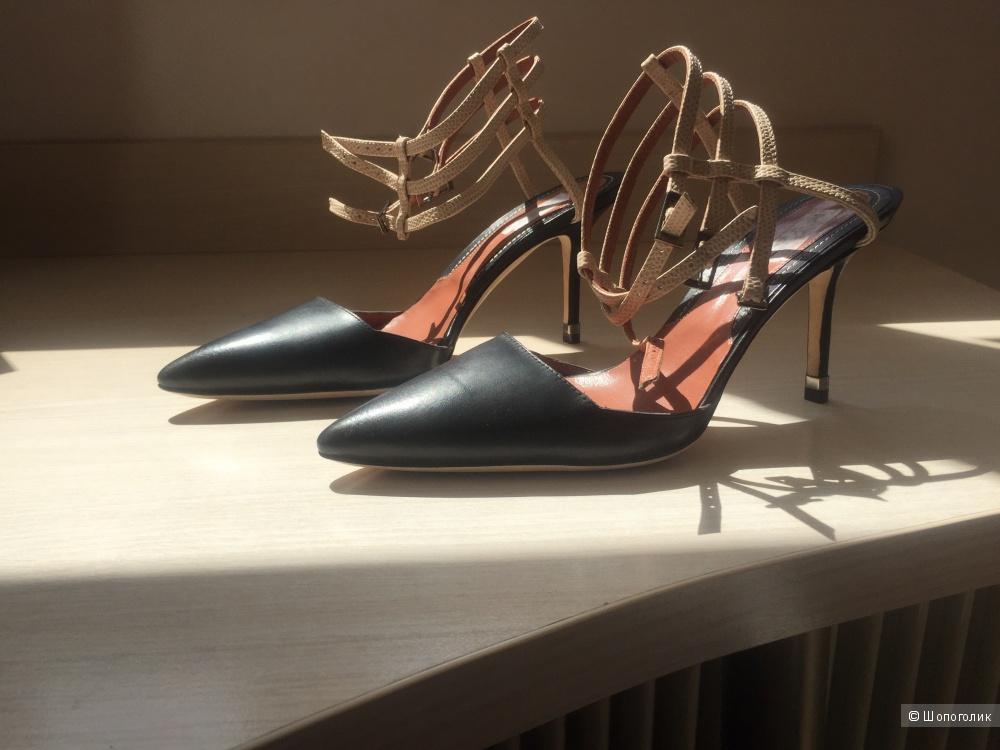 Новые черные туфли Max&co 39 размер