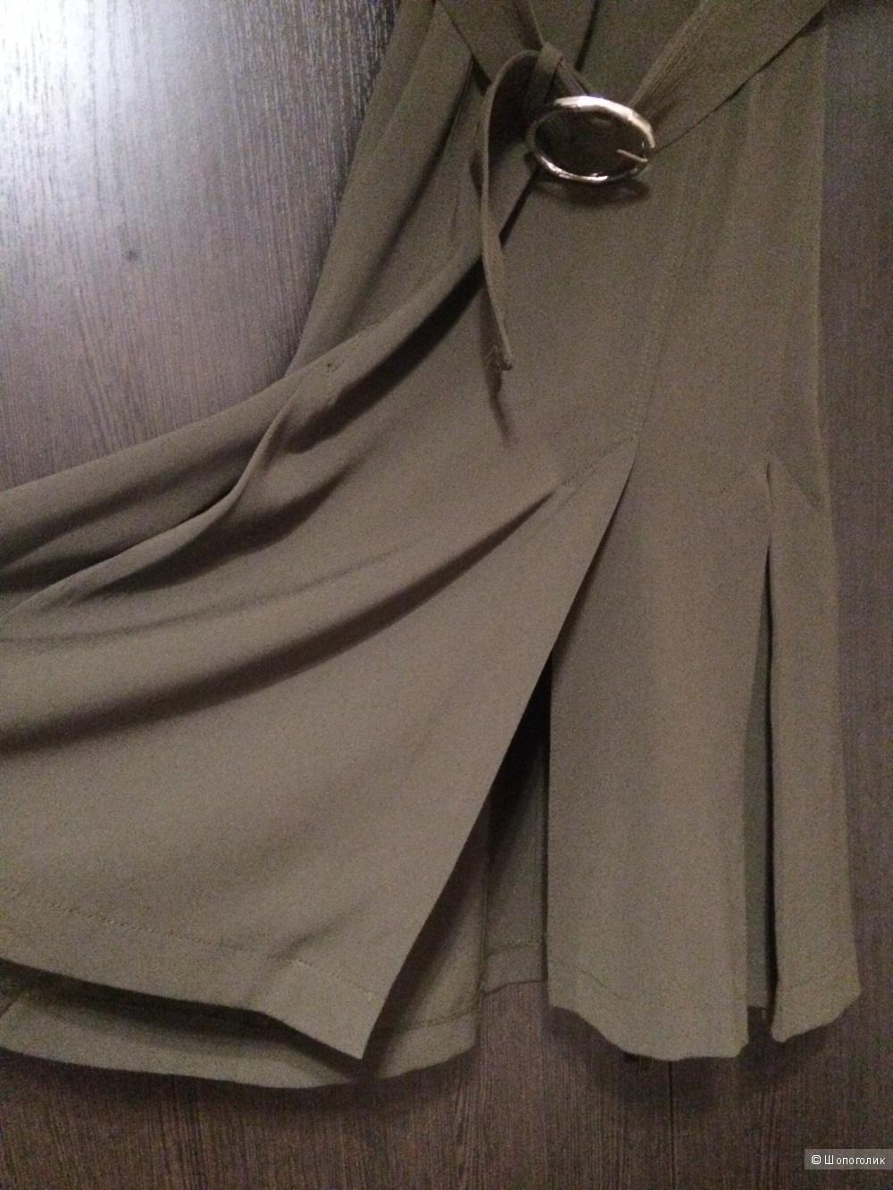 Платье в стиле милитари от Karen Millen, 10 английский размер, наш 42-44 размер.